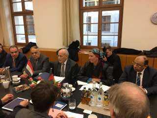 وزراء ( الانتاج الحربى والتنمية المحلية والبيئة ) يلتقون وزيرة البيئة الالمانية