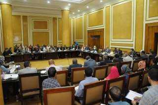 """""""الجزار"""" يلتقى رؤساء أجهزة المدن الجديدة لشرح آليات قانون التصالح في مخالفات البناء"""