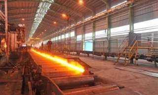 منتجو الحديد: المصانع المتكاملة تتجاهل انخفاض أسعار المواد الخام عالمياً