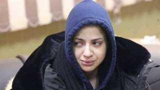 فيديو.. منى فاروق تهدد بالانتحار في بث مباشر.. تعرف على التفاصيل
