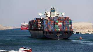 بالفيديو .. أكبر سفينة حاويات في العالم تعبر قناة السويس