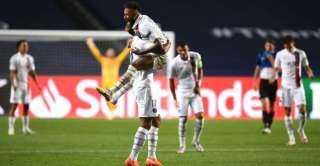 """باريس سان جيرمان يصعد لنصف نهائي دوري الأبطال بـ""""ريمونتادا"""" مثيرة أمام أتلانتا"""