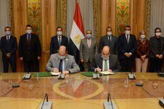 """بالصور ..توقيع بروتوكول تعاون بحضور وزيرا """" الإنتاج الحربى """" و """" البترول """""""