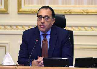 """""""مدبولي"""" يناقش مقترح إنشاء مركز لتصنيع السيارات شرق بورسعيد"""